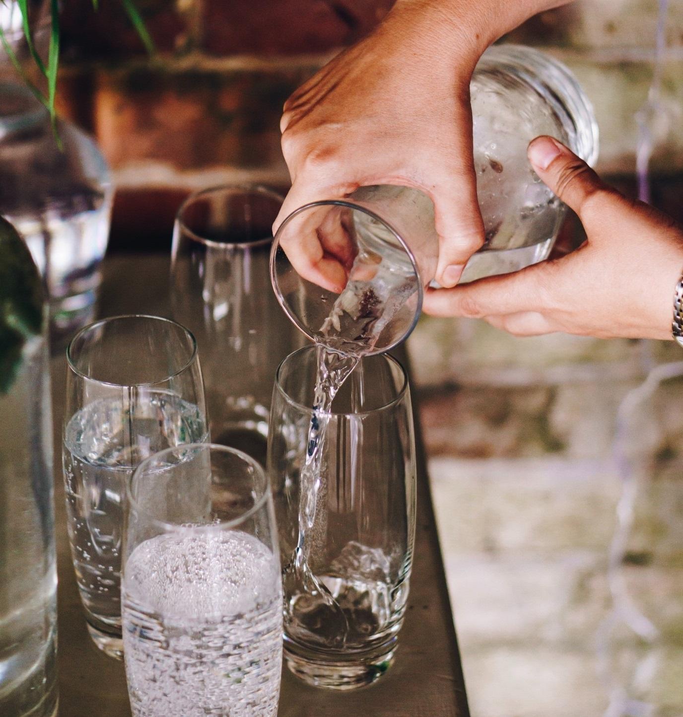 Hogyan előzhetjük meg a betegségek több mint 50%-át? Öntsünk tiszta vizet a pohárba!